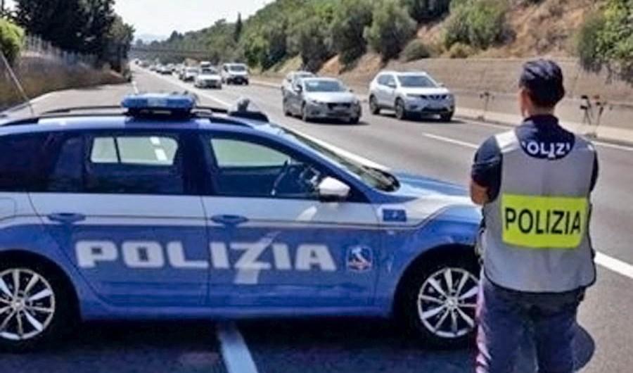 Adrano. I controlli della Polizia per il rispetto delle norme Covid-19