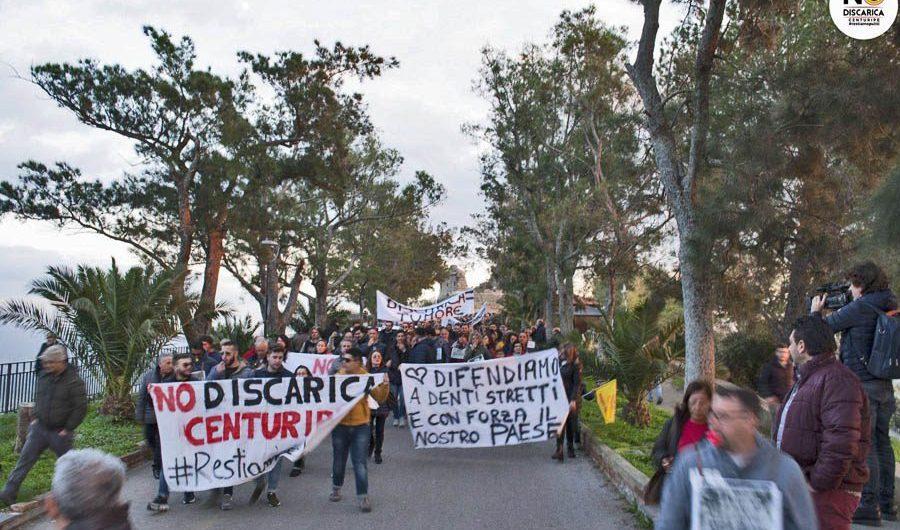 """""""No alla discarica di Centuripe, vincolare Muglia"""". M5S protesta all'ARS"""