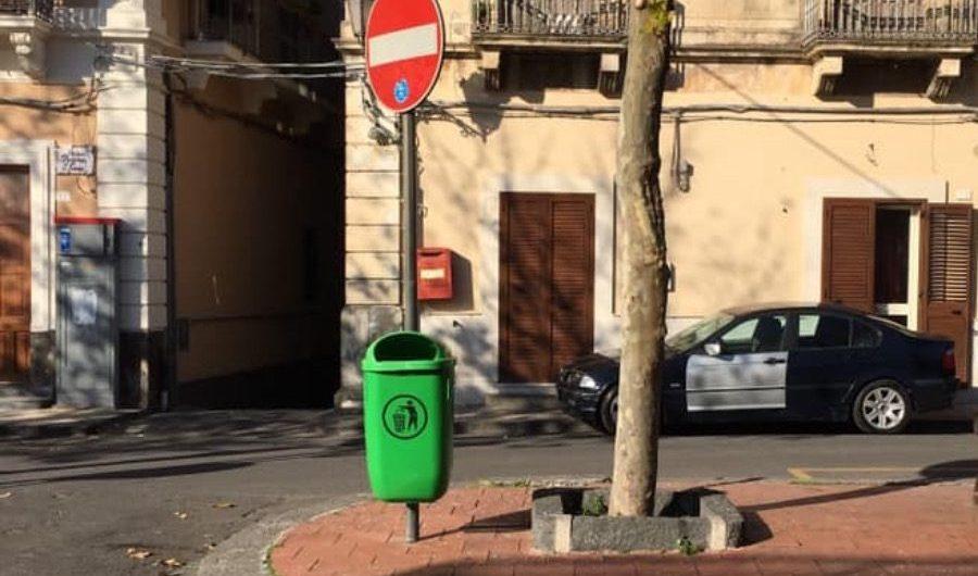 Santa Maria di Licodia. Installati 6 cestini per rifiuti