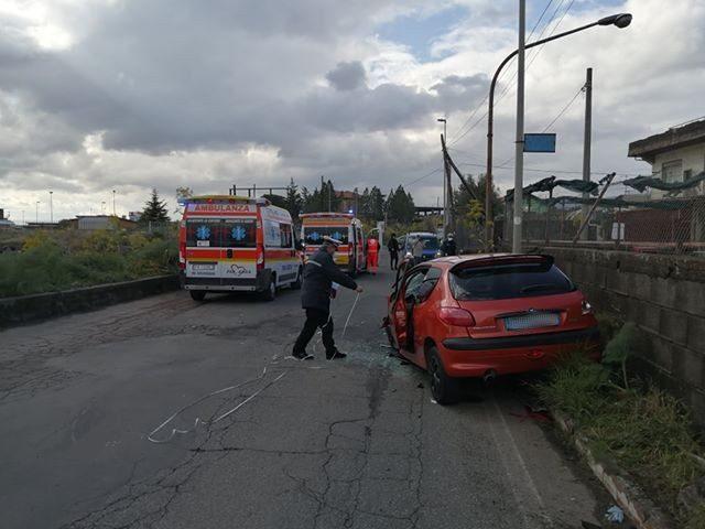 Sp56/i. Violento impatto tra Belpasso e Camporotondo Etneo