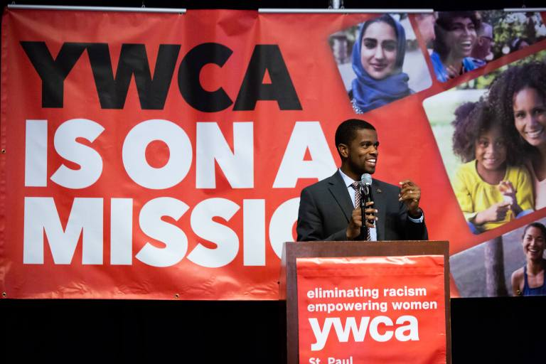 Mayor Melvin Carter speaking onstage at Sweet Success 2019