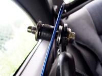 Z32 自作サイドピラーバー上側の取り付け穴にアンカーボルトを通す 写真