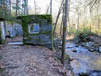 Old structure along Catawba River