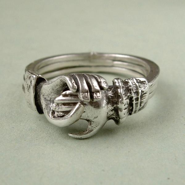 large vintage sterling silver gimmel fede ring size p 7 8 a 05f170d3 497c 4e17 9497 7e5a6bc3a5b4   - مجلة ست الحسن