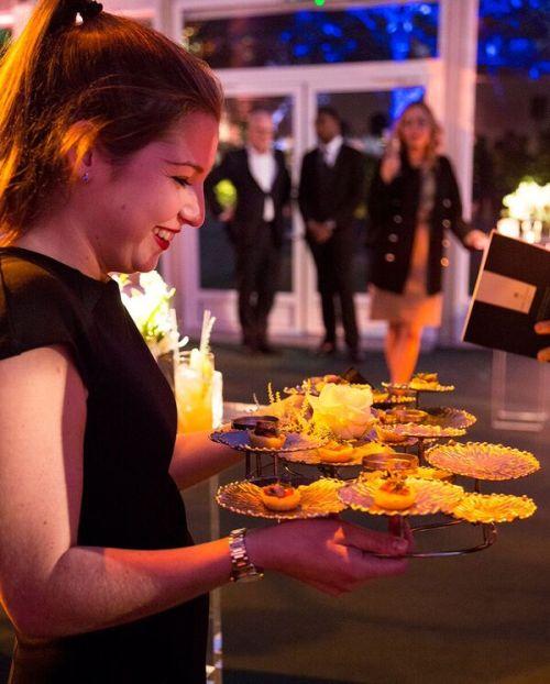 lc-waitress-tray
