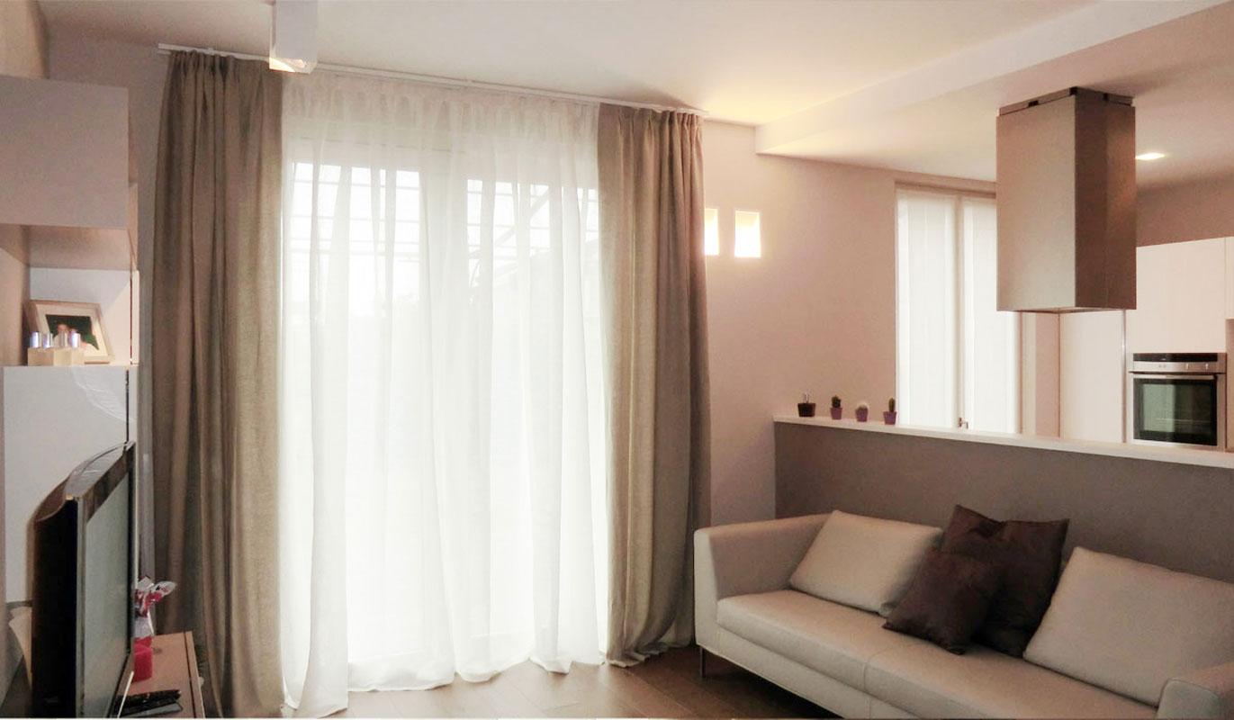 Elemento fondamentale dell'arredamento di ogni casa, le tende sono in. Tende Moderne Per Arredi Semplici E Lineari