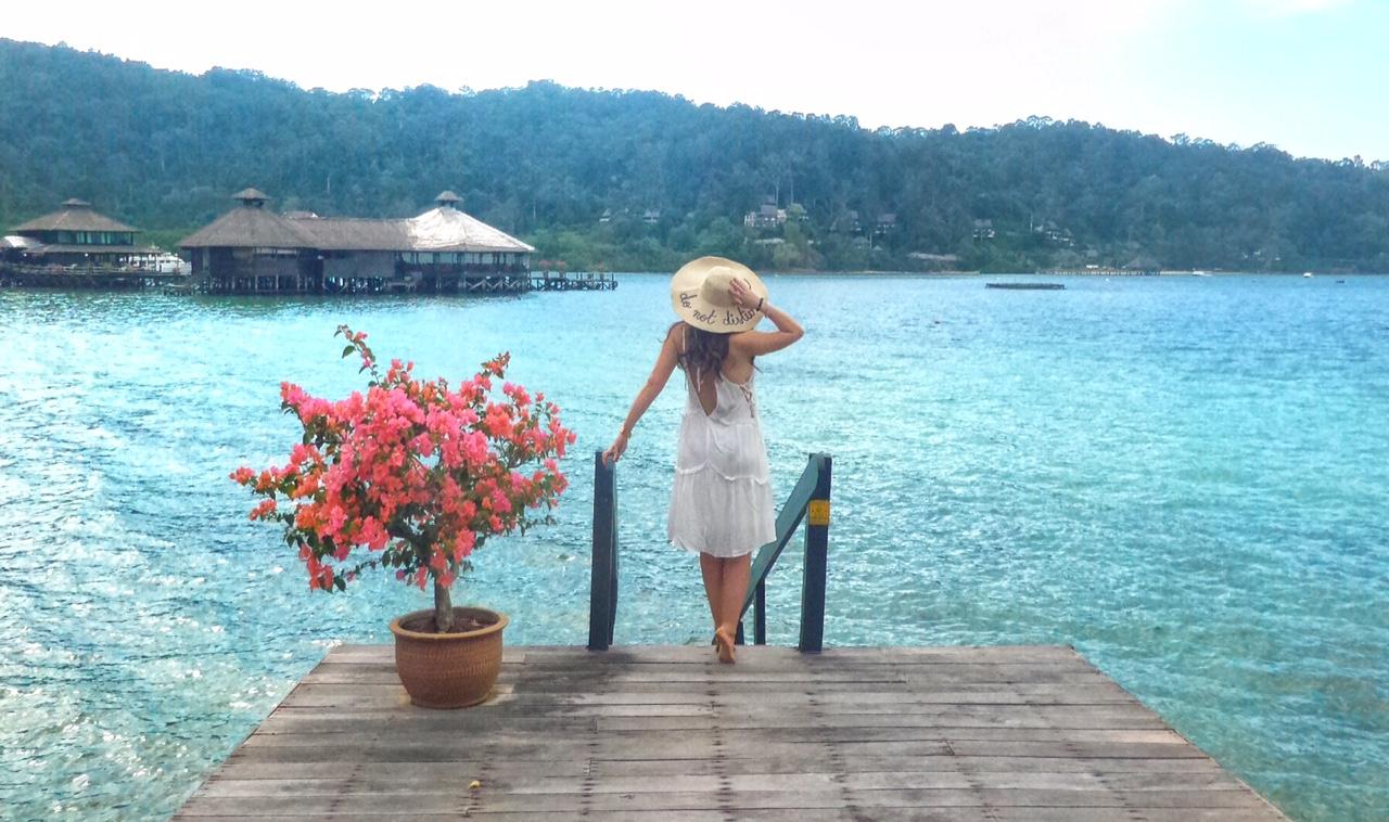 cathay-pacific-gayana-resort-borneo-malesia-asia-travel-valentina-coco