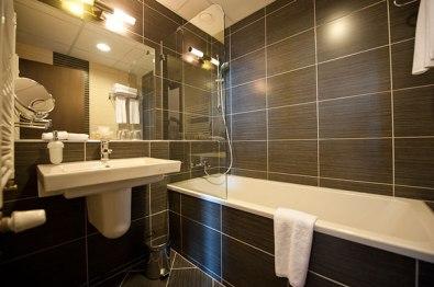 hotel_regnum_bathroom_m