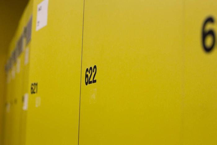 Spinde gelb