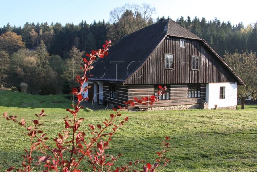 U starého mlýna se zahrada plynule vlévá do krajiny