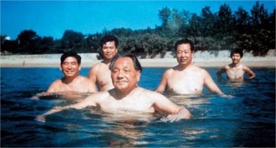 Deng Xiaoping, en Beidaihe, en 1988.