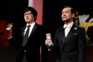 El director Diao Yinan recoge el Oso de Oro a la mejor película; el actor Liao Fan también recibió el mayor galardón como mejor actor.