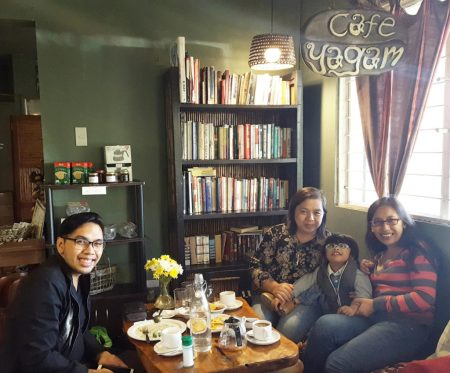 cafe yagam family time