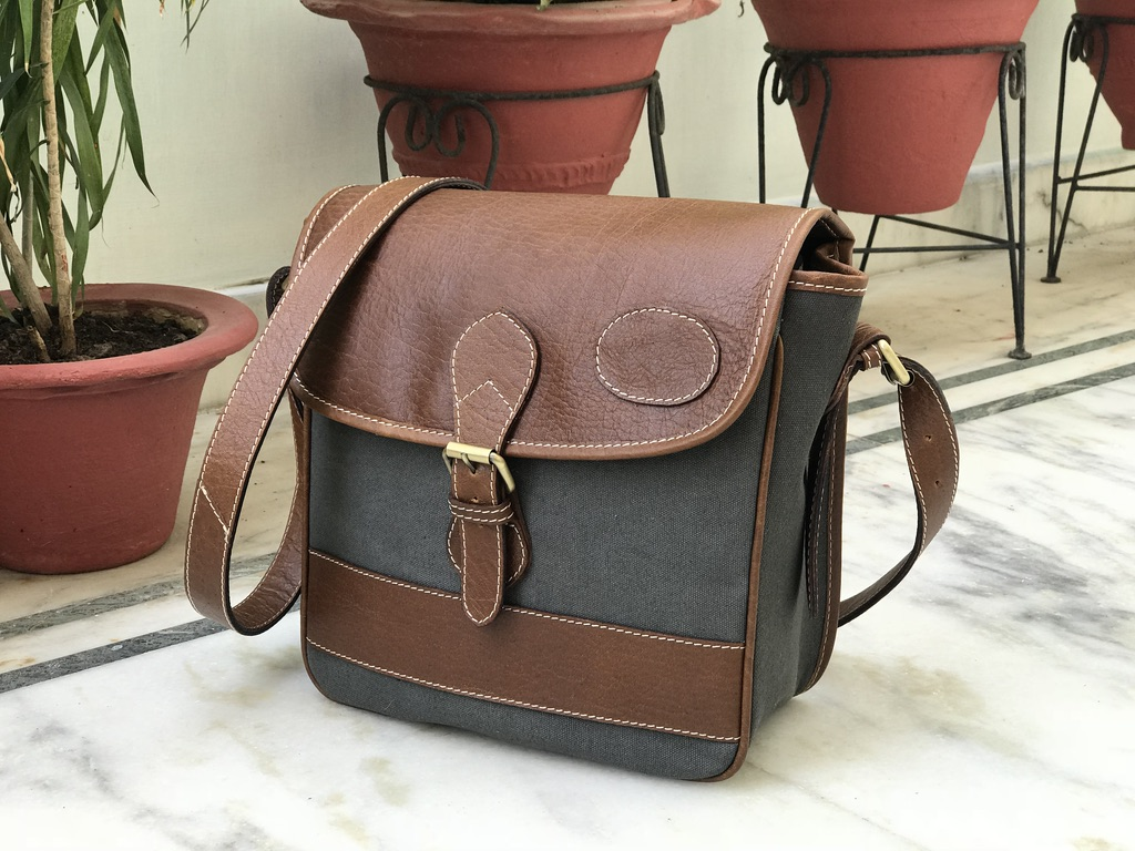 Zakara Canvas Sling Bag