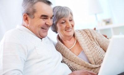 pensioenfondsen grootouders-met-behulp-van-laptop_1098-1200