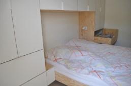 slecht opgemaakt bed..