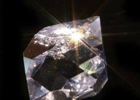 ハーキマーダイヤモンド(ハーキマー水晶/はーきまーすいしょう)Harkimer Diamondの特徴・意味と効果