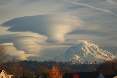 rainierclouds_thompson_big