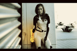 mass effect2 cosplay 5