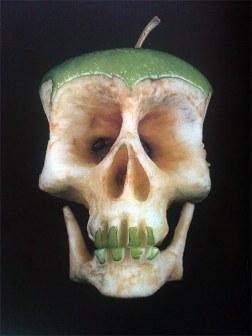 pomme tete de mort