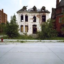 16 maison abandonnee