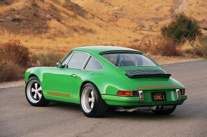 Singer_Porsche_911_07pop