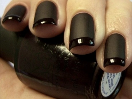 ongle noir mat french