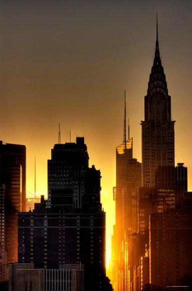 ville soleil couchant
