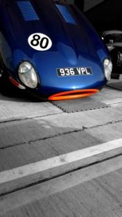 voiture course bouche orange