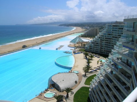 Guinness-Book-of-World-Records-Largest-Swimming-Pool-in-the-World-10