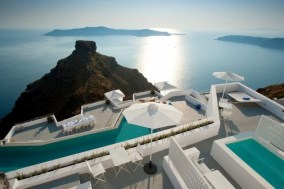 birds-eye-view-santorini-grace-hotel-swimming-pool
