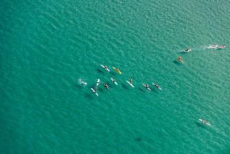 surfeurs vue aerienne