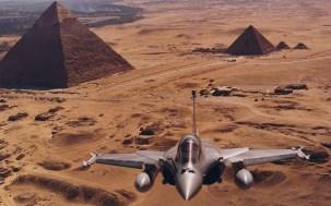 rafale egypte pyramide