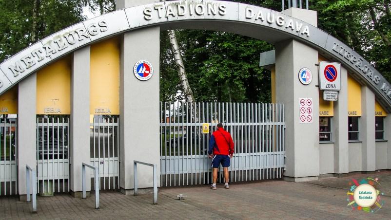 stadion piłkarski liepaja
