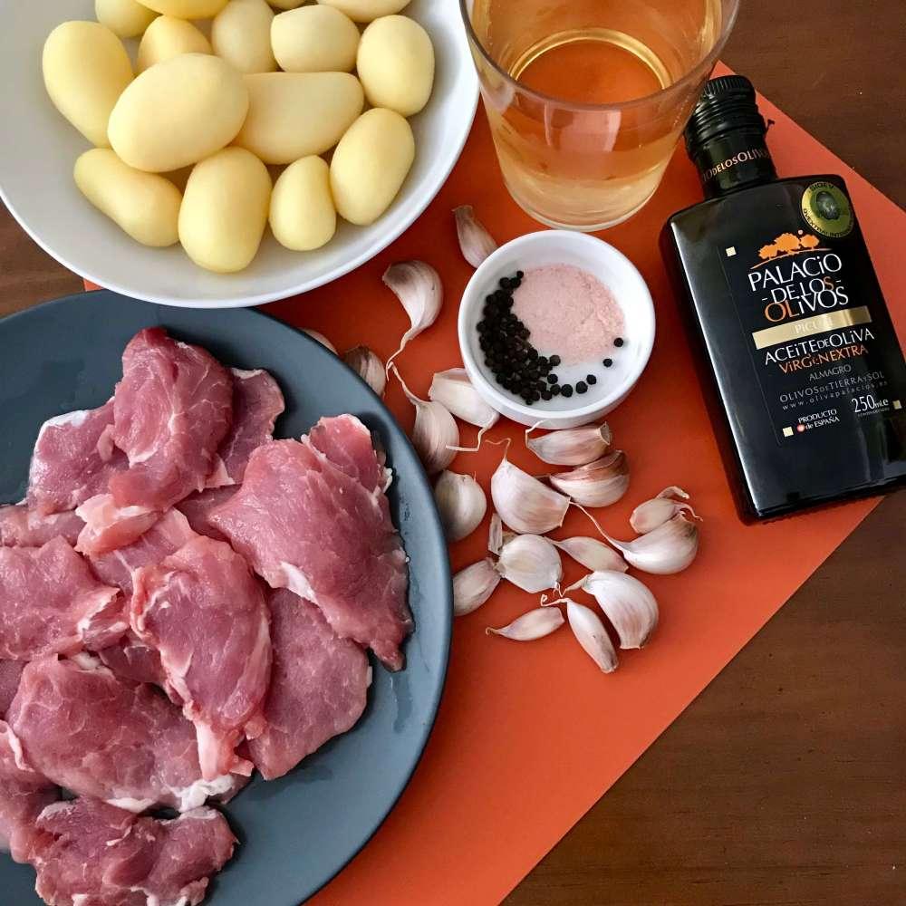 Ingredientes para hacer una receta de solomillo al ajillo