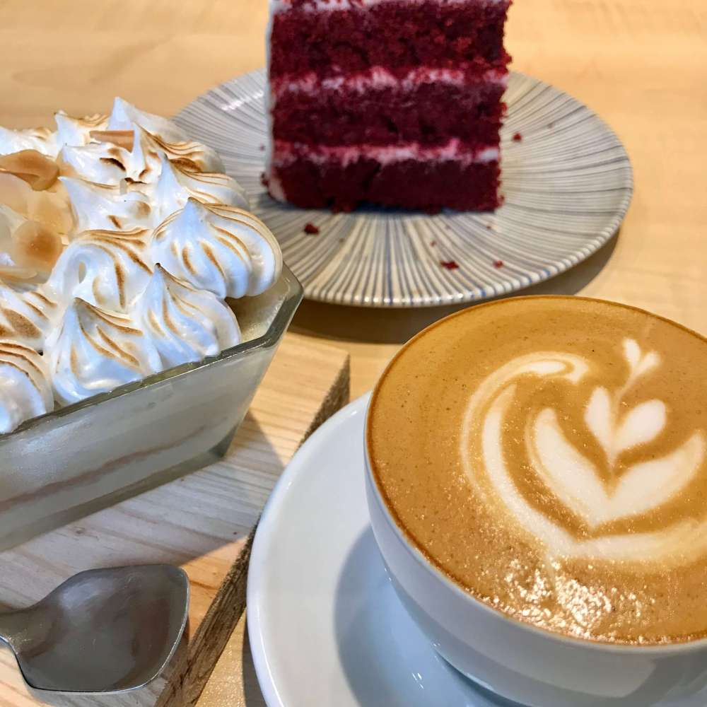 Repostería en Makis Coffee Shop