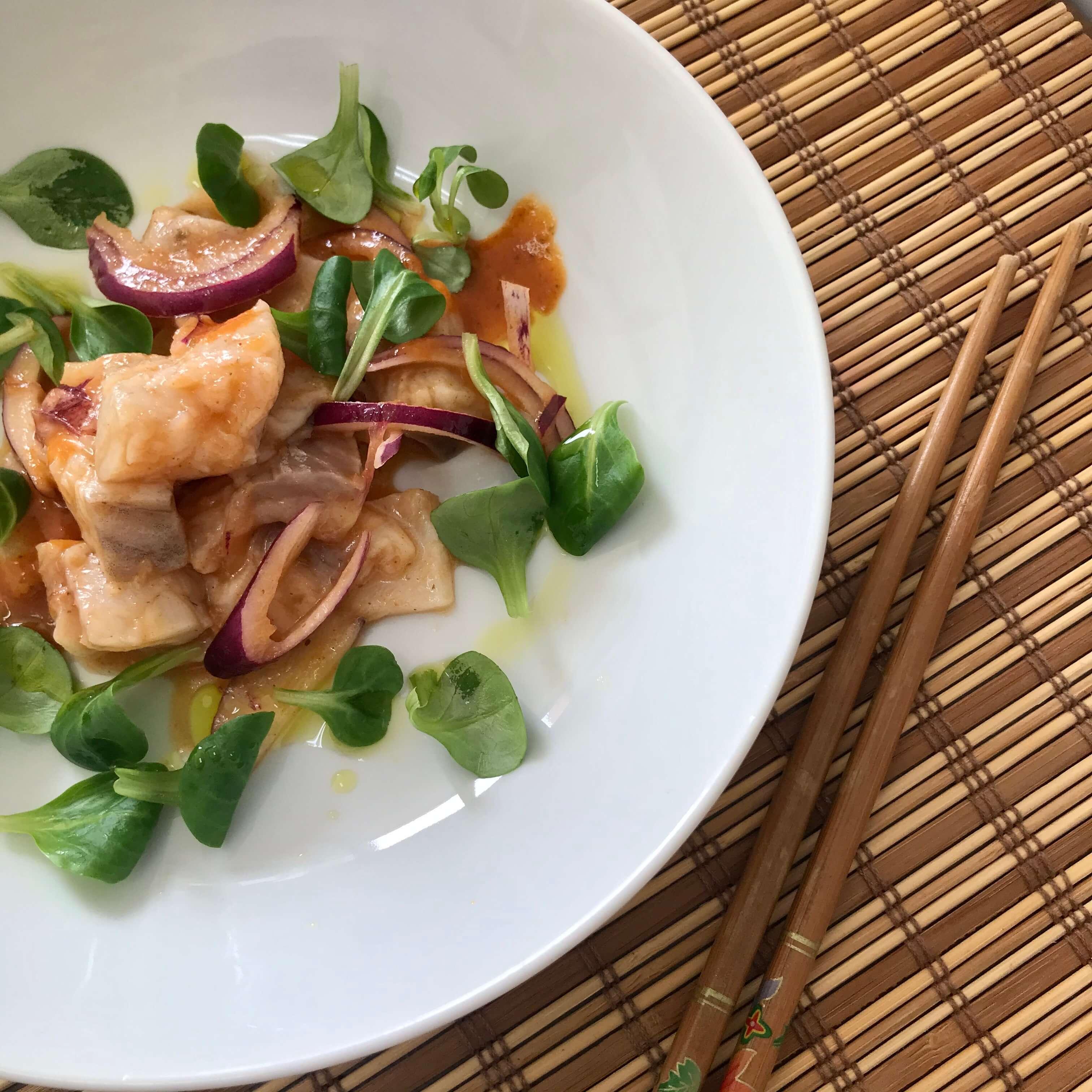 Ceviche de lubina con salsa brava