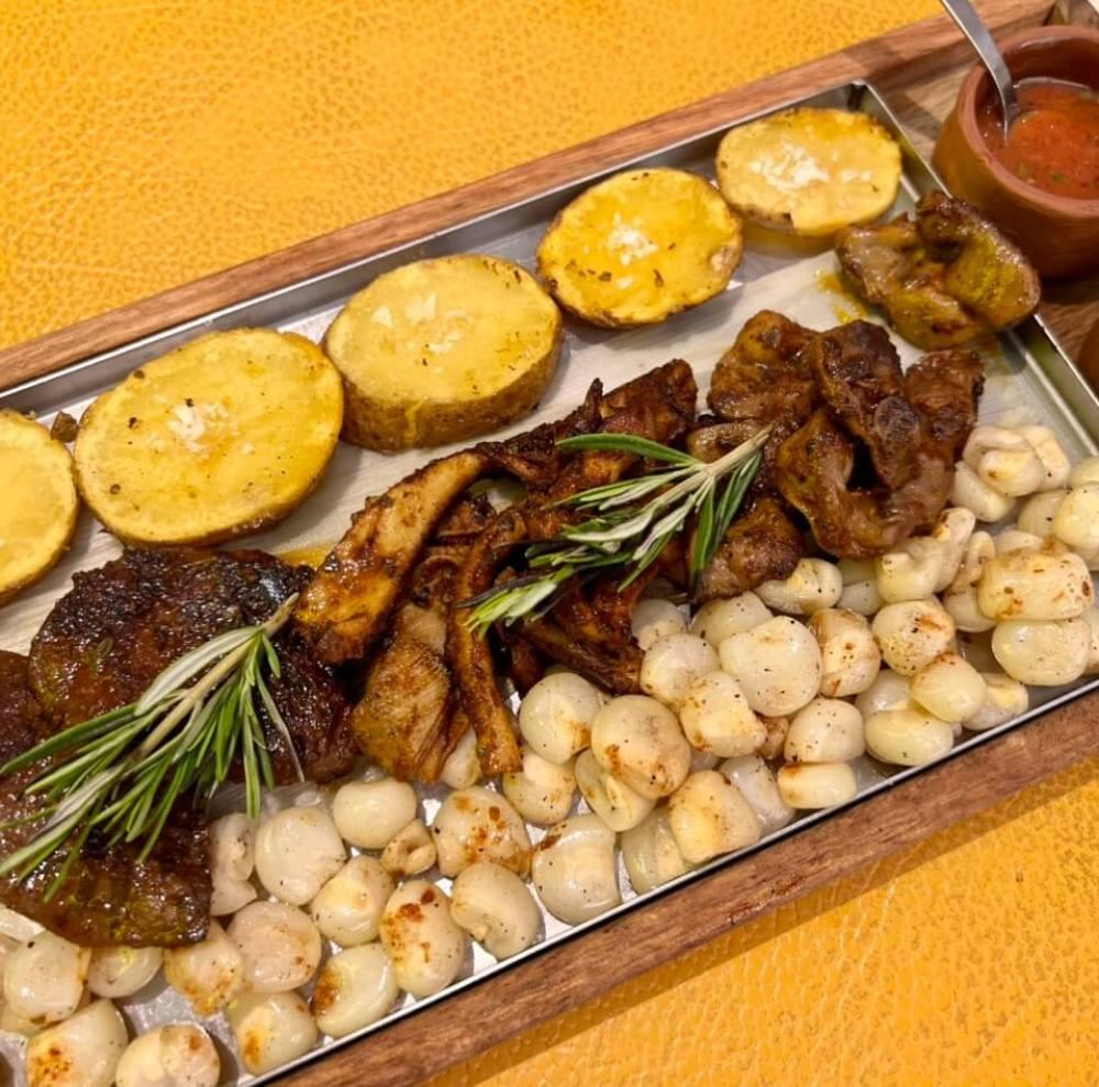 Chicha morada y chorizo criollo