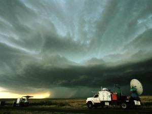 Cacciatori di tornado  oggi in tv