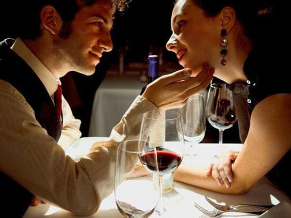 Le donne diventano più romantiche dopo un buon pranzo