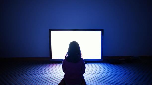 Troppe ore davanti alla Tv aumentano il rischio di embolia polmonare mortale