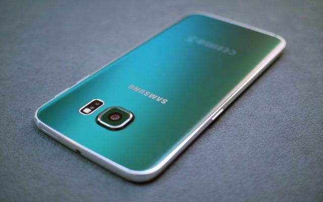 Samsung Galaxy S6 Edge Retro