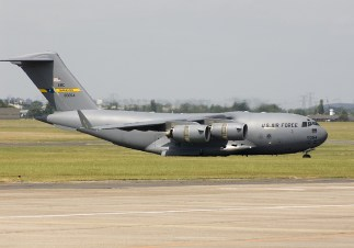 Boeing C-17A Globbemaster III 00-0545 of the USAF at the Paris Air Show 2005