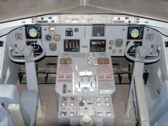 ad08-04 mockup cockpit fokker 100