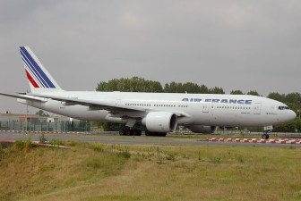 cdg06-05 Boeing 777-228ER F-GSPU Air France