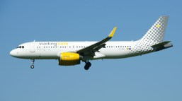 Airbus A320-232 EC-MEL Vueling Airlines