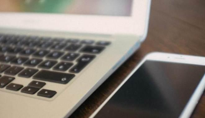 iPhone-and-MacBook