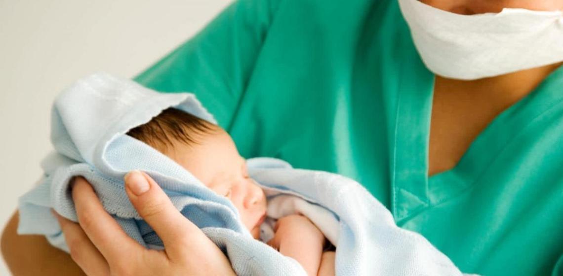 Dos embarazadas con Coronavirus dan a luz en el hospital Rebagliati
