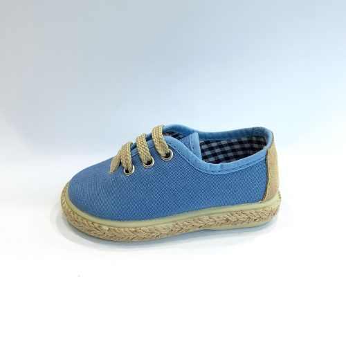 zapatilla azul de cordones y esparto
