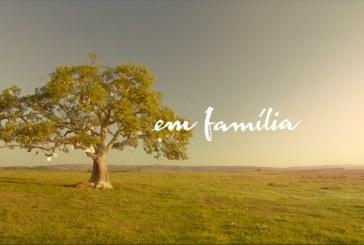 """""""Em Família"""" chega à liderança na faixa das 19h"""